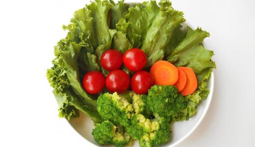 栄養バランスを考えた食事をとる