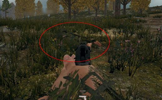 ギリースーツで隠れる敵の画像1