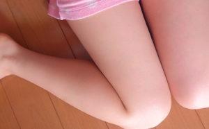 【超簡単】パリス・ヒルトンでも出来る、太もも痩せで脚を細くする方法!!